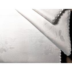 Biały obrus - kwiaty - zabek 250x140
