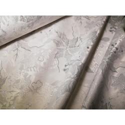 Tkanina obrusowa - świąteczna - biało-srebrna - srebrne gwiazdy
